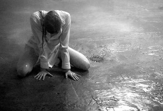 Сотрудники госавтоинспекции города-курорта обнаружили плачущего мальчика посреди дороги дождь, полиция, минводы