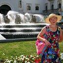Театральная площадь Абхазского драматического театра имени Самсона Чанба и фонтан с мистическими грифонами