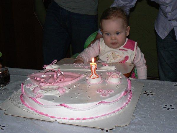 Фото: Внученьке Маргарите 1 годик! - Рамиля Салихзянова, 64 года, Алматы
