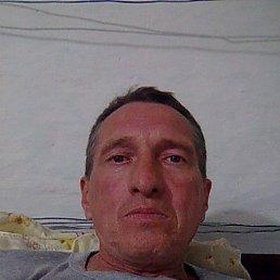 Анатолий, 58 лет, Дивное