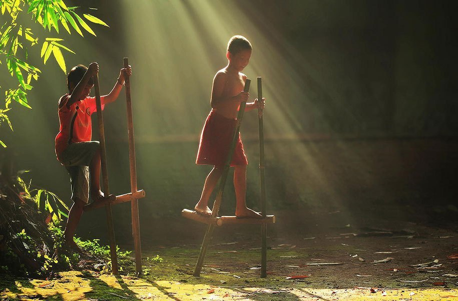 Будни сельских жителей Индонезии в ярких фотографиях Германа Дамара - 3