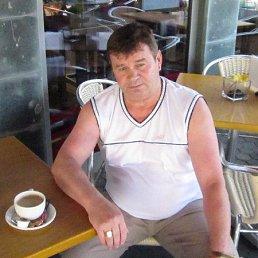 Anton, 58 лет, Росток