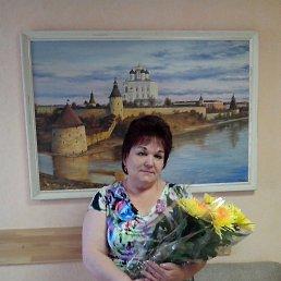 Галина, 62 года, Остров