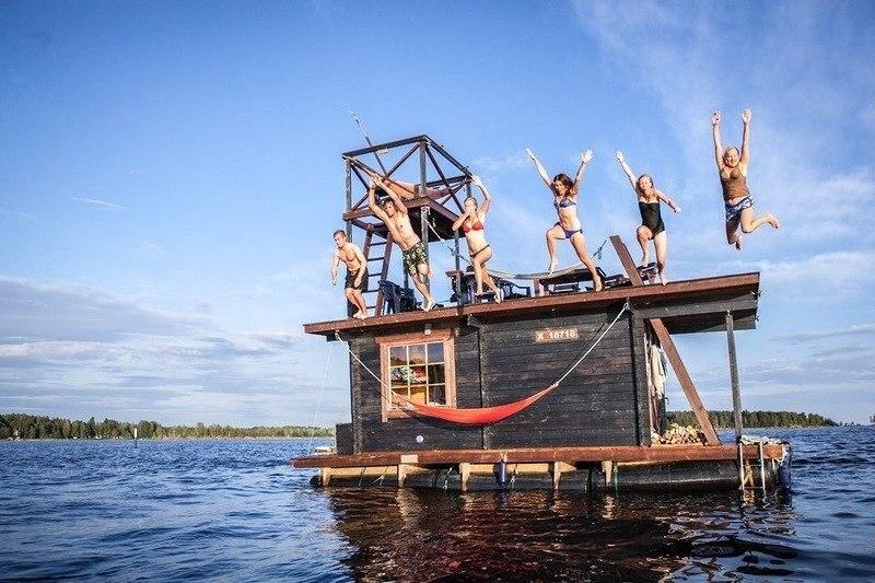Плавающая сауна-домик.#архитектура@yakor.blog