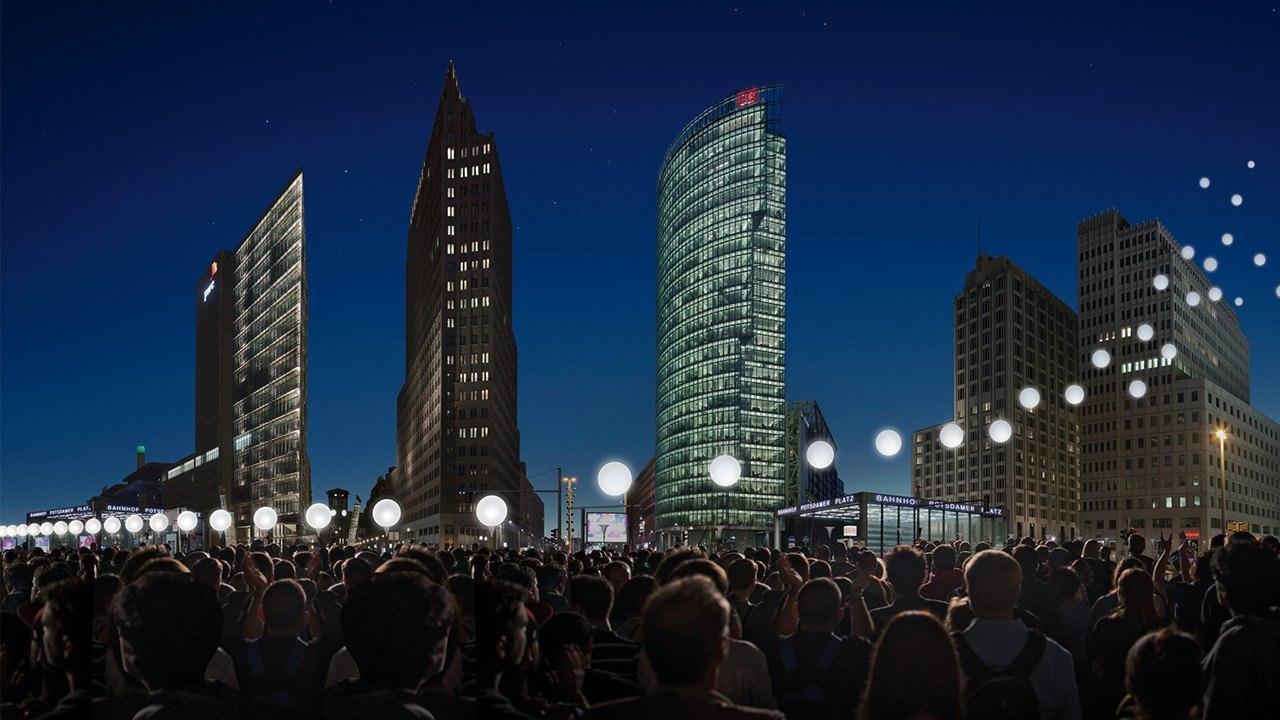 По случаю 25-й годовщины падения Берлинской стены столица Германии была вновь разделена стеной — ... - 3