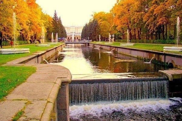 Подписывайтесь на нас: http://fotostrana.ru/public/233467 ;-) Петергоф, Санкт-Петербург