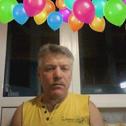 Виктор, 64 года, Полярный