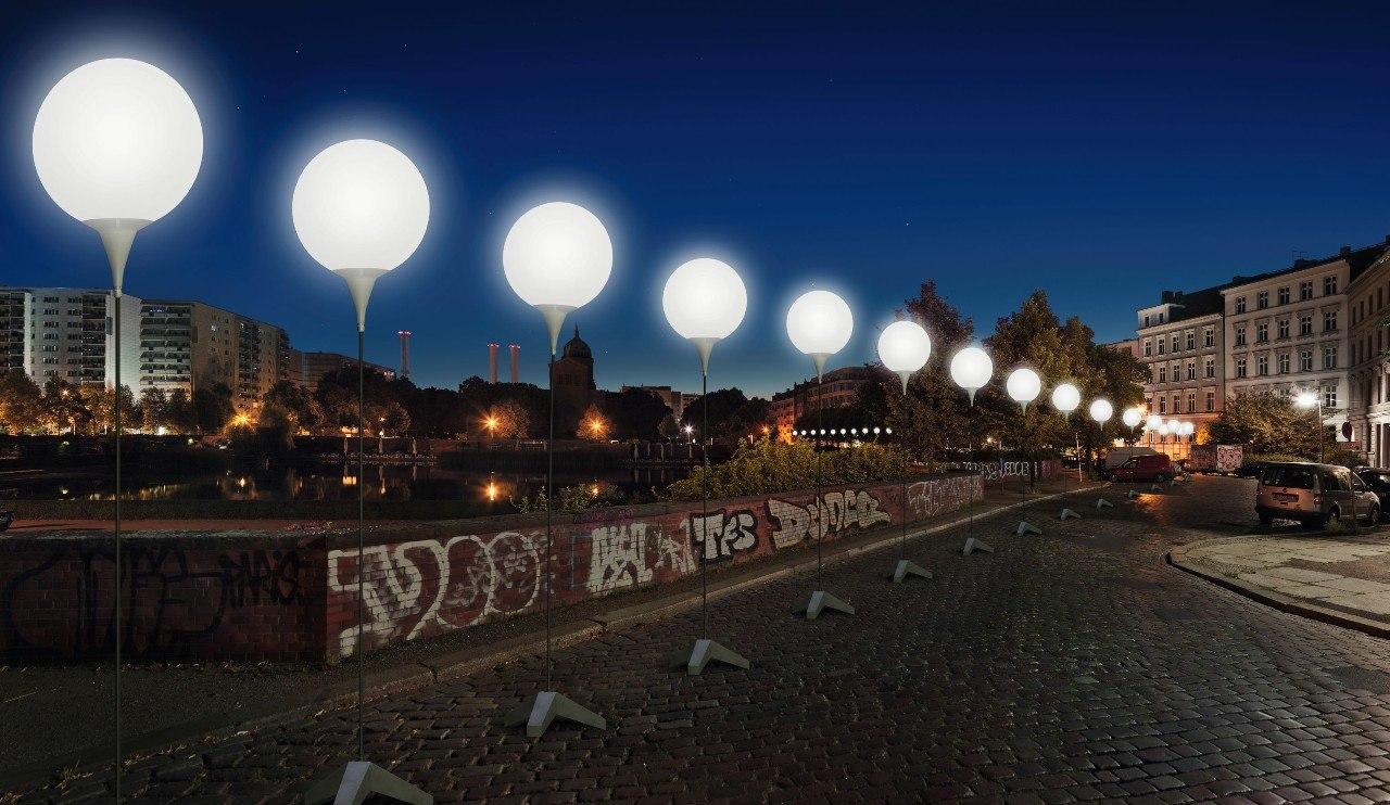 По случаю 25-й годовщины падения Берлинской стены столица Германии была вновь разделена стеной — ... - 4