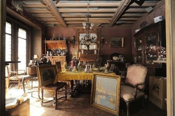 В Париже нашли квартиру, нетронутую в течении 70 лет.Трудно представить, что в очень густонаселенном ...