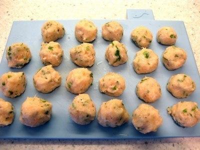 Рыбные шарики в слоеном тесте.Понадобится:- Упаковка слоеного теста,- 450 гр – рыбного филе (любое, ... - 2