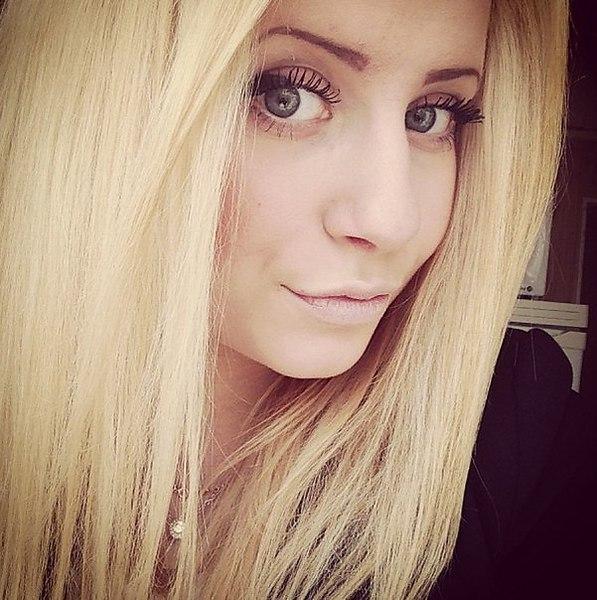 Картинки одинаковые фото блондинок