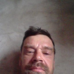 Виктор, 54 года, Марганец