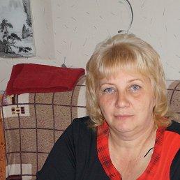 Марина, 60 лет, Луга