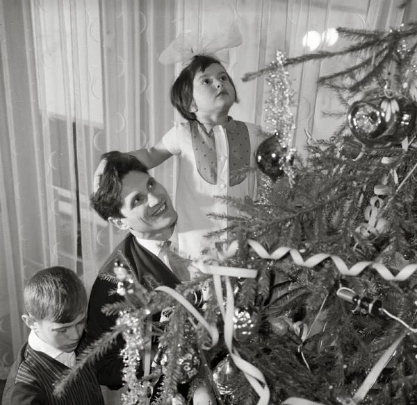Маленькому ребенку, картинки старого нового года ссср