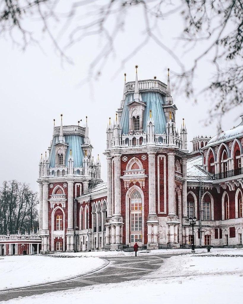 Замок в царицыно москва фото оттенок