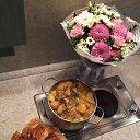 Картофель в сметане с грибами, оладьи.