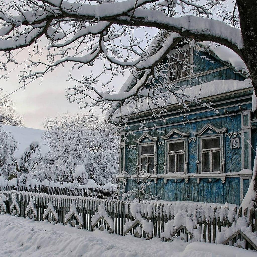 Фото зимних деревенских домов россии