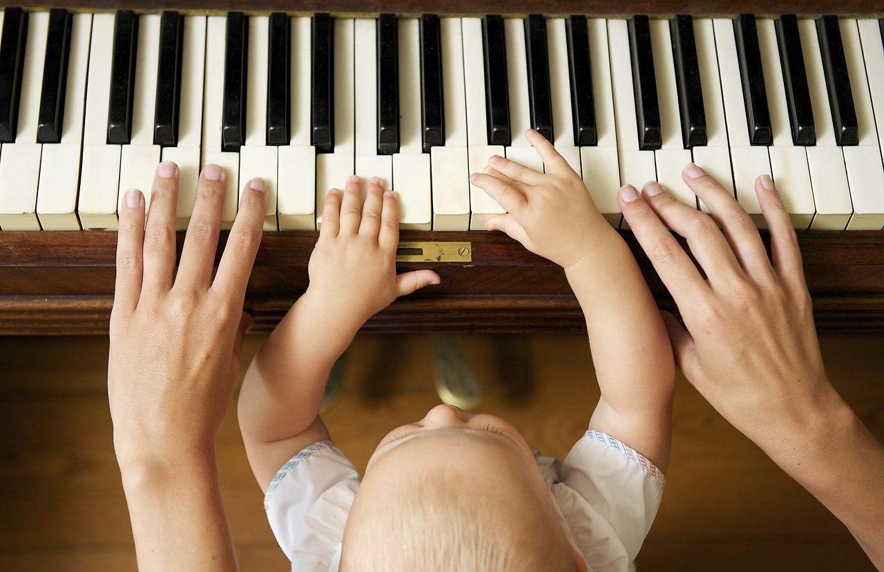 Картинки дети играют на рояле