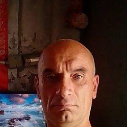 вова, 48 лет, Лутугино