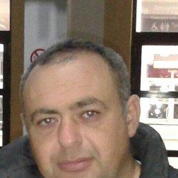 Виталий, 45 лет, Луганск