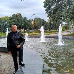 Валентин, 54 года, Киев