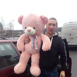 Тимофей, 32 года, Москва