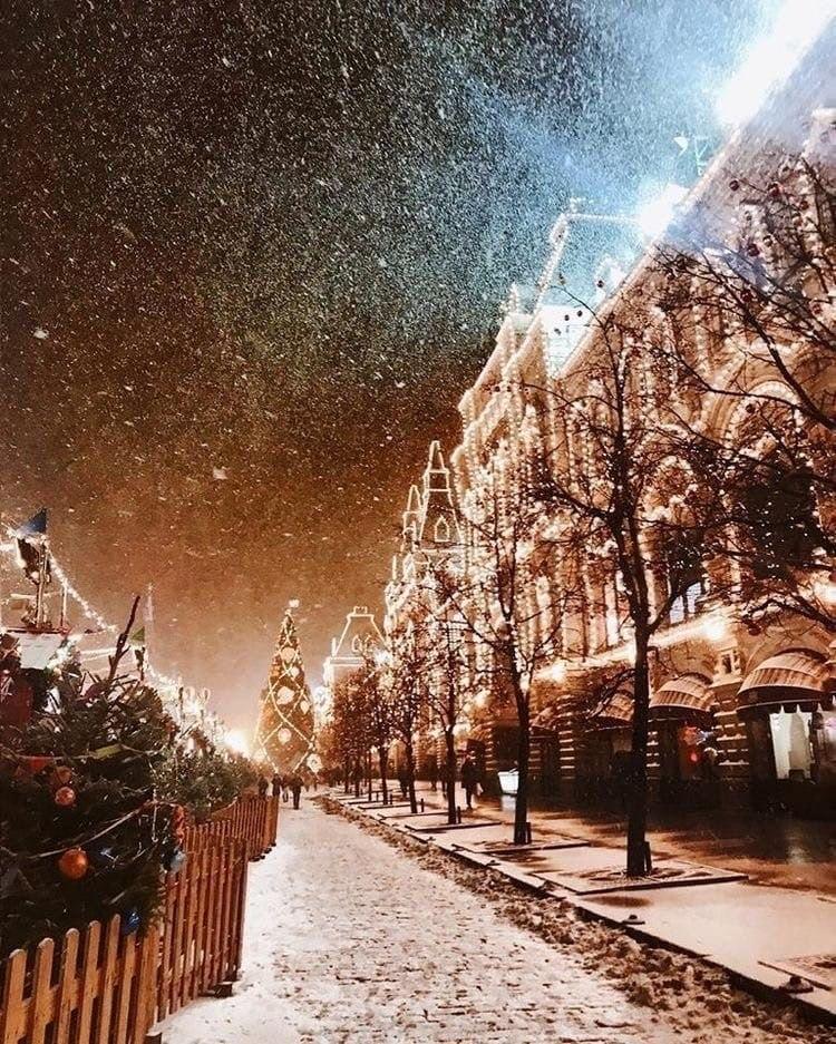 Зима может быть куда теплее лета, Kогда душа в любовь одета... - 3