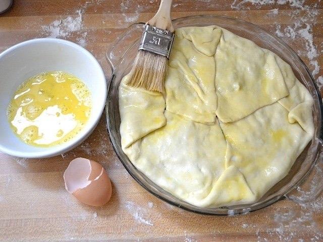 Простой слоеный пирог со шпинатом.Сохрани — пригодится!Ингредиенты:Растительное масло — 1 ст. ... - 7