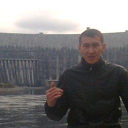 Игорь, 35 лет, Свободный