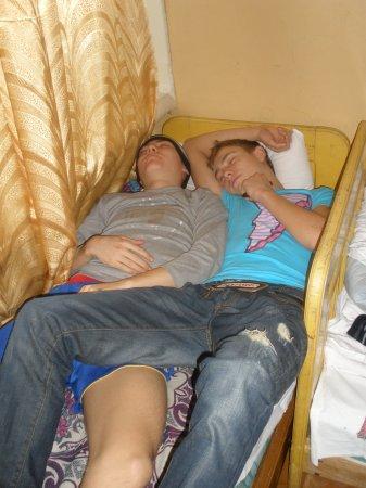 спящую пьяную девку трахнули самка